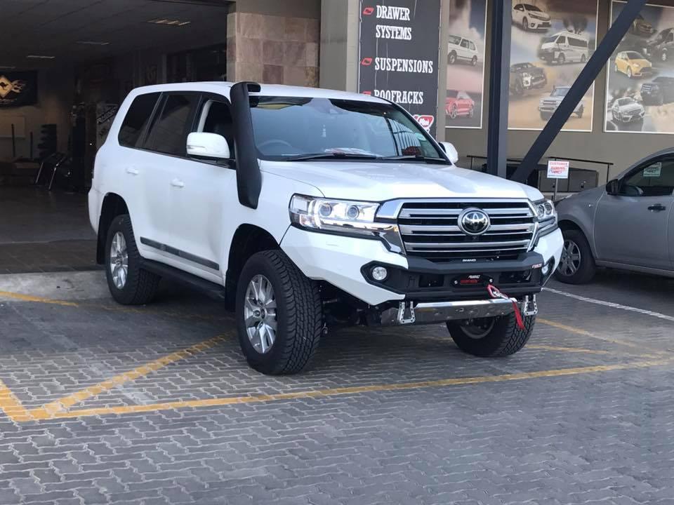 LC200 bumper